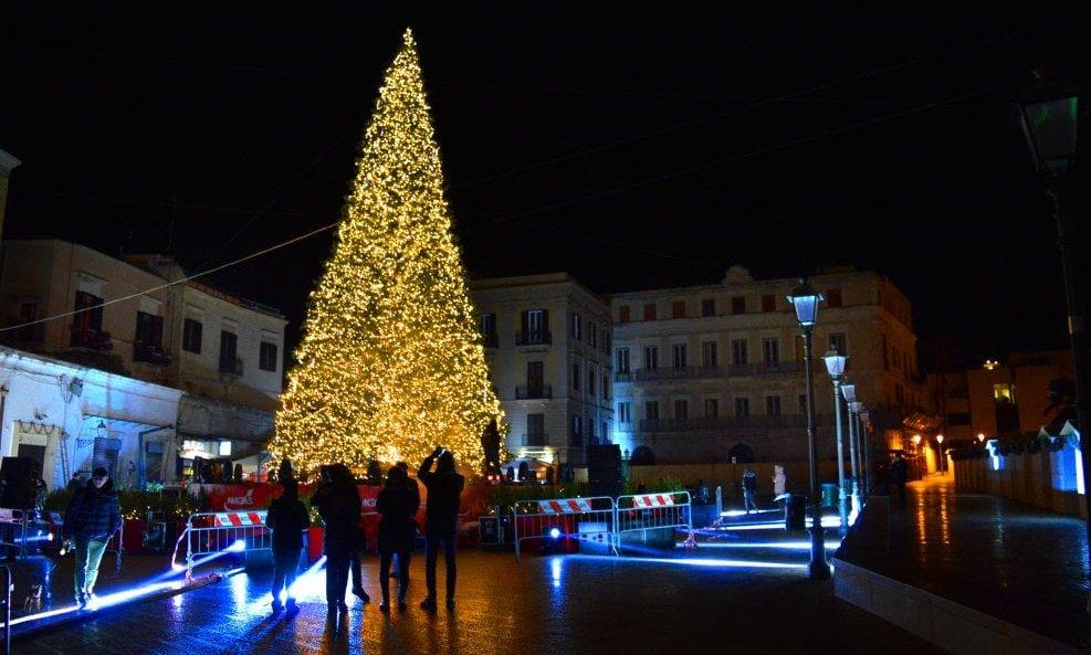 Natale A Natale.Comune Di Bari In Pubblicazione Sul Mepa Il Bando Per Il Natale A Bari 2019 Un Mese Di Eventi Per Tutti Notizie